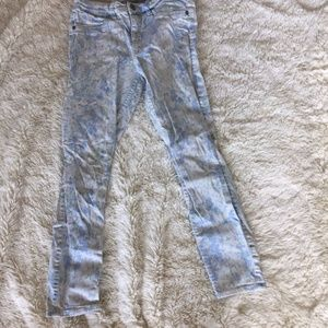 Abercrombie & Fitch Light Wash Floral Jegging